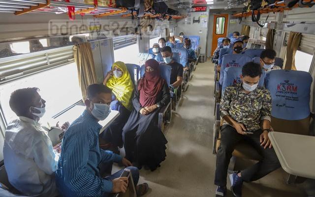 'লকডাউনে' শুধু পণ্যবাহী ট্রেন চলবে'