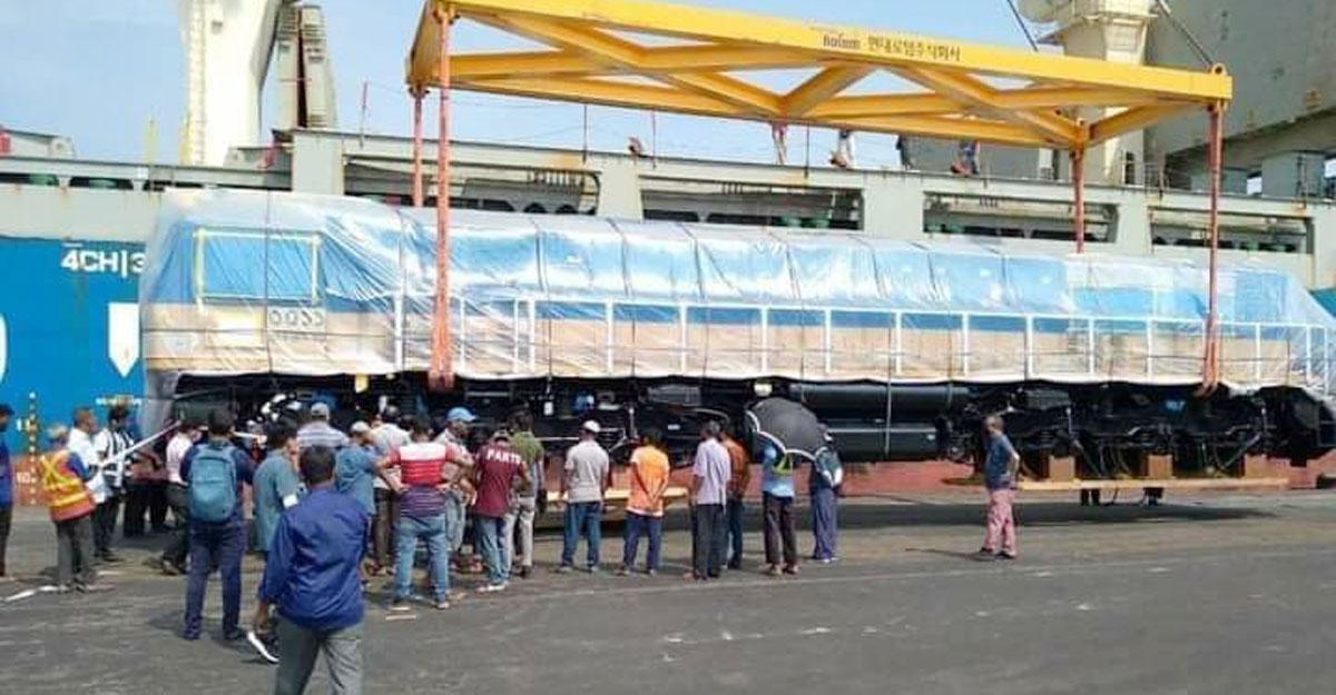 বাংলাদেশ রেলওয়ের জন্য আনা হয়েছে ১০টি মিটারগেজ লোকোমোটিভ (ইঞ্জিন)