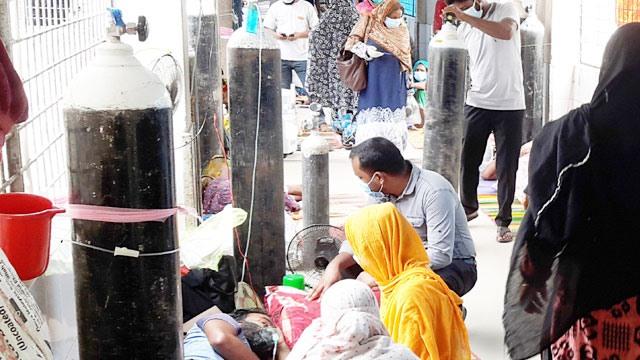 সংক্রমণের শীর্ষে ঢাকা, রাজশাহীতে সর্বনিম্ন