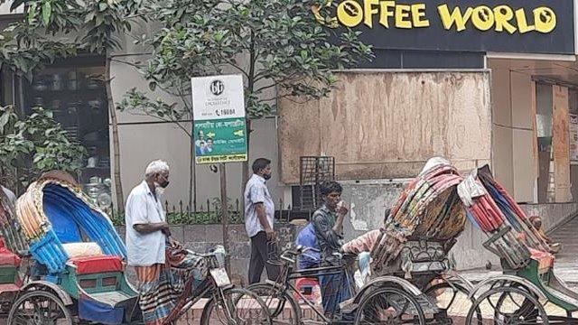 রিকশায় জিম্মি পুরো রাজধানী