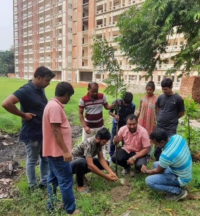তিতুমীর কলেজ ক্যাম্পাসে ছাত্রদলের বৃক্ষরোপণ